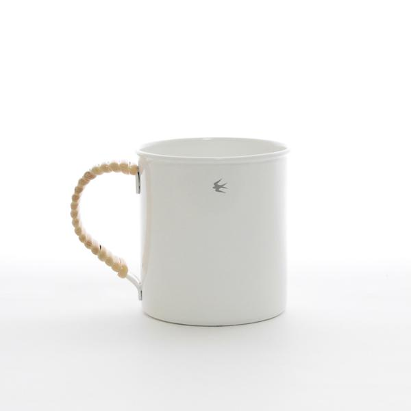 TSUBAME RATTAN mug size L / WHITE<br>【GLOCAL STANDARD PRODUCTS/グローカルスタンダードプロダクツ】<br>ツバメ ホーロー製 マグ カップ ラタン 琺瑯  キャンプ コーヒー