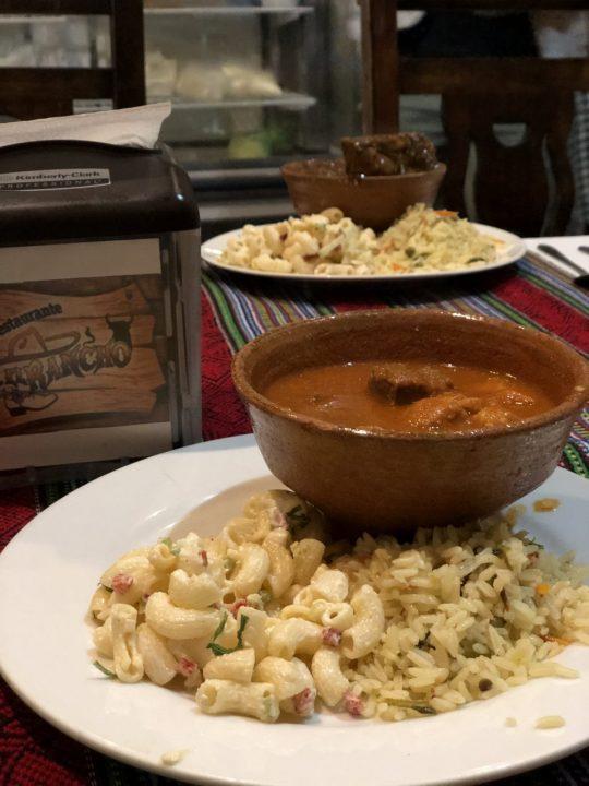 アンティグアの食堂
